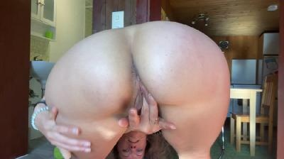 Slapping and Twerking big Ass before Shit & Squirt with VeganLinda [2021 | FullHD]