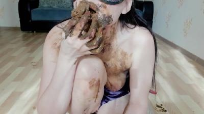 Blood and shit part 2 with ScatLina [2021 | FullHD]